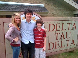 greyson-sister-alexa-and-brother tanner
